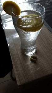 L'ingestion avec d'eau de citron