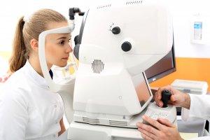 Augenflimmern Arzt