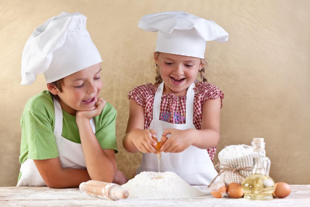 Kochen mit Kindern backen